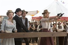 A Million Ways to Die in the West Photo 3