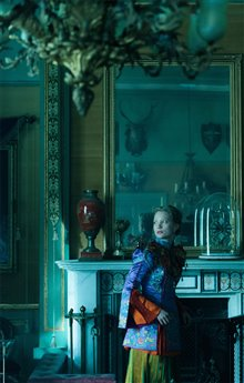 Alice Through the Looking Glass Photo 42