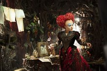 Alice Through the Looking Glass Photo 26