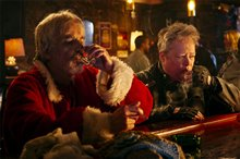 Bad Santa 2 photo 18 of 21