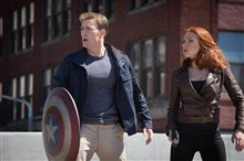 Captain America: The Winter Soldier photo 3 of 36