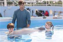 Dolphin Tale Photo 7