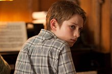 Extremely Loud & Incredibly Close Photo 4