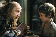 Oliver Twist Photo 4 - Large