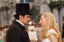 Oz The Great and Powerful photo 24 of 36