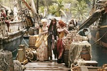 Pirates of the Caribbean: At World's End Photo 18