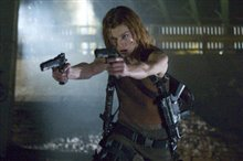 Resident Evil: Apocalypse photo 4 of 9