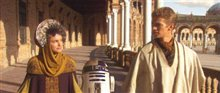 Star Wars: Episode II - Attack Of The Clones Poster Large
