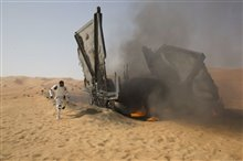 Star Wars: The Force Awakens photo 29 of 51