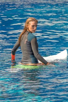 The Shallows Photo 23