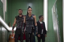 Thor: Ragnarok photo 20 of 28