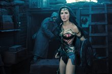 Wonder Woman photo 29 of 70