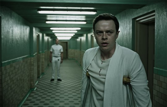 A Cure for Wellness Poster Large