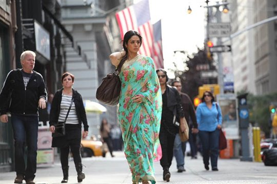 English Vinglish Poster Large