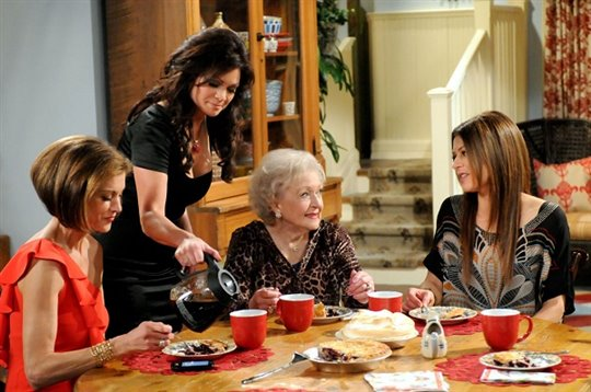 Hot in Cleveland: Season Two Poster Large