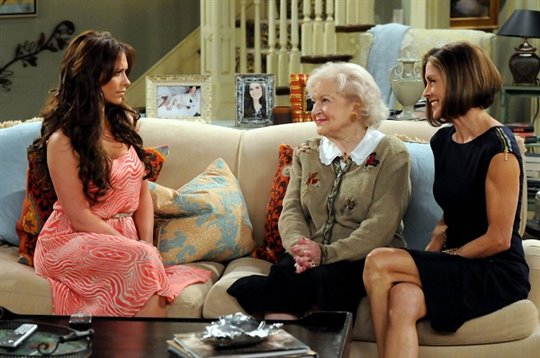 Hot in Cleveland: Season Two Photo 3 - Large