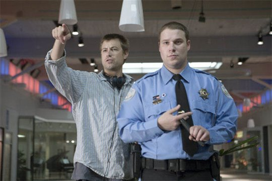 Observe and Report Photo 21 - Large