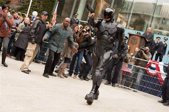 RoboCop Photo 11 - Large