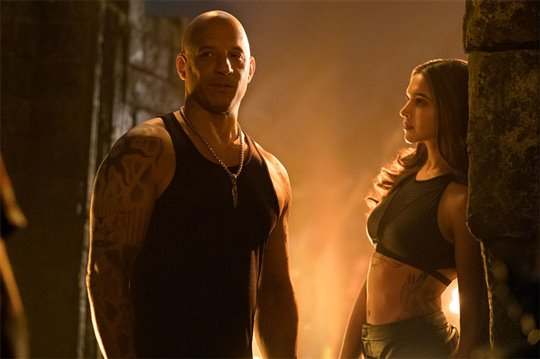xXx: Return of Xander Cage Poster Large