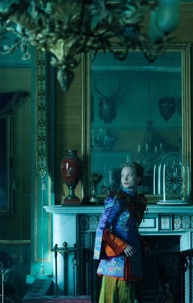 Alice Through the Looking Glass Photo 42 - Large