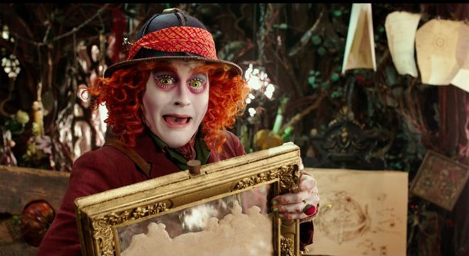 Alice Through the Looking Glass Photo 24 - Large