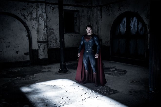 Batman v Superman: Dawn of Justice Photo 32 - Large