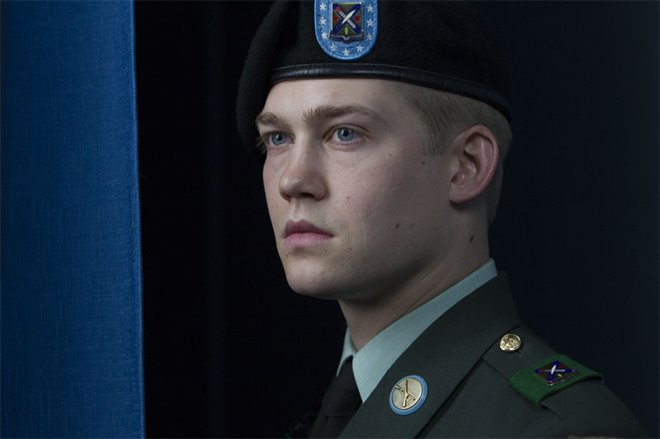 Billy Lynn's Long Halftime Walk Photo 27 - Large