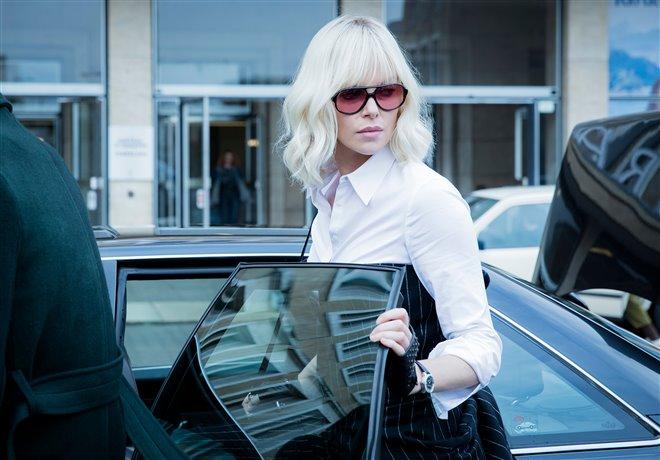 Blonde atomique Photo 14 - Grande