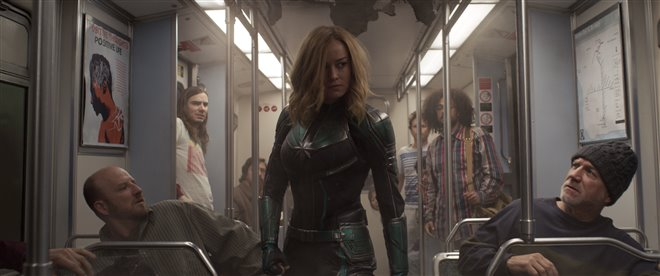 Captain Marvel Photo 21 - Large