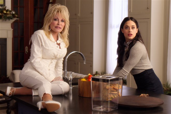 Dolly Parton's Christmas on the Square (Netflix) Photo 5 - Large