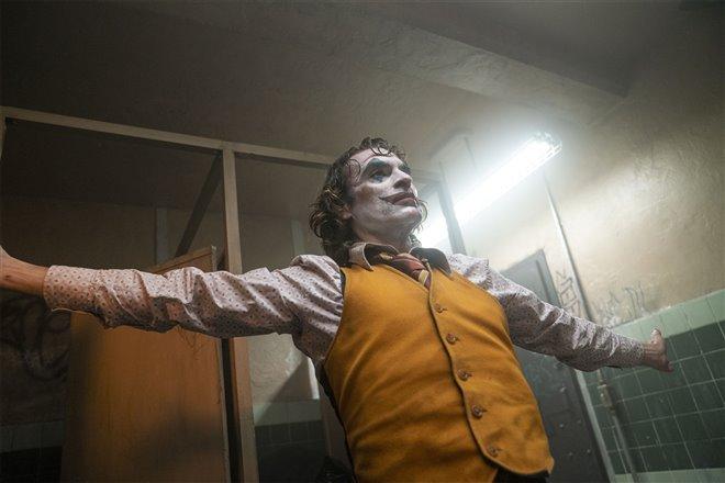 Joker Photo 16 - Large