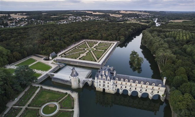 Passport to the World - Châteaux of the Loire: Royal Visit Photo 2 - Large