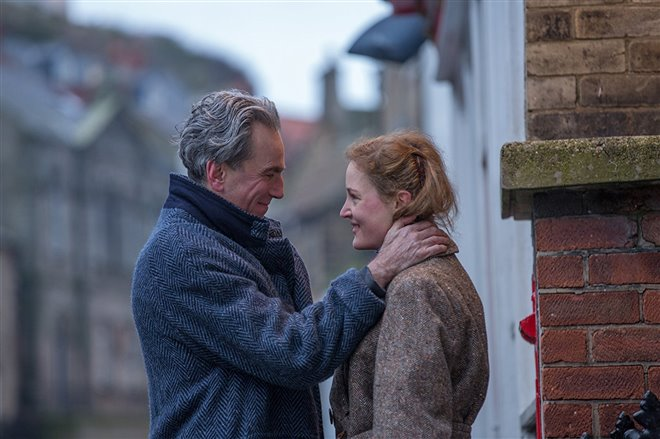 Phantom Thread Photo 3 - Large