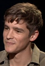 Brenton Thwaites photo