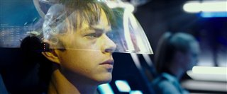 "Valerian and the City of a Thousand Planets Movie Clip - ""Leaving Exo-Space"" video"