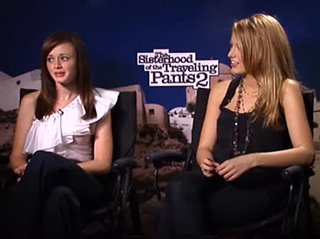 alexis-bledel-blake-lively-the-sisterhood-of-the-traveling-pants-2 Video Thumbnail