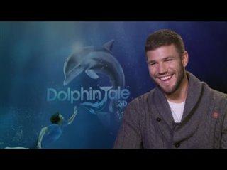 austin-stowell-dolphin-tale Video Thumbnail
