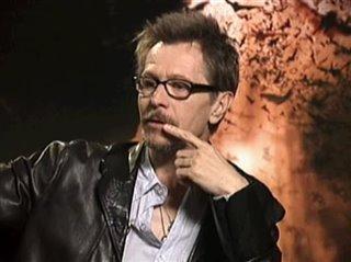 GARY OLDMAN - BATMAN BEGINS - Interview Video Thumbnail