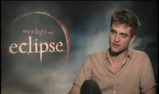 Robert Pattinson (The Twilight Saga: Eclipse) - Interview Video Thumbnail