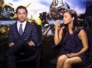 shia-labeouf-megan-fox-transformers Video Thumbnail