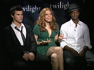 taylor-lautner-rachelle-lefevre-edi-gathegi-twilight Video Thumbnail