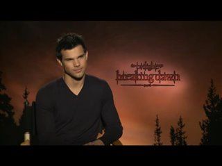 Taylor Lautner (The Twilight Saga: Breaking Dawn - Part 1) - Interview Video Thumbnail